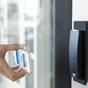 Controllo Accessi Sistema Elettronico con autenticazione con dispositivi mobili