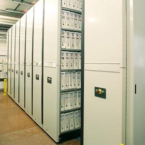 Gli Archivi Compattabili proposte da SEI Sicurezza come Sistemi di archiviazione documenti cartacei